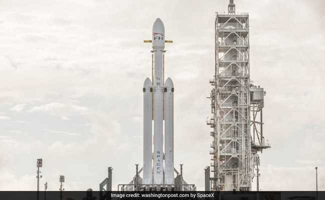 Spotlight: SpaceX's heavy-lift rocket launch