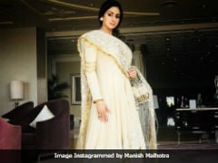 Sridevi, Khushi Kapoor, And Shanaya Kapoor At Mohit Marwah's <i>Mehendi</i> Ceremony. See Pics