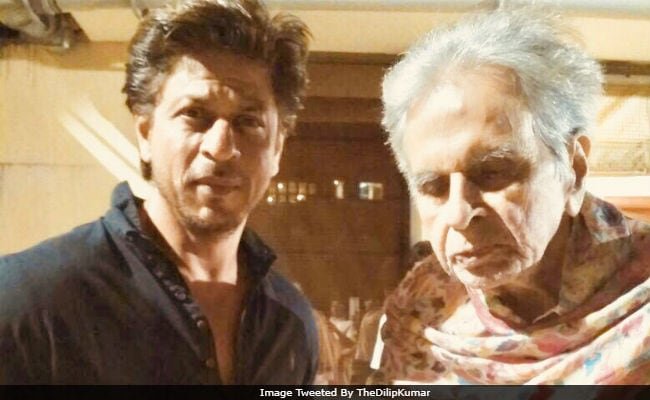 Shah Rukh Khan Visits Dilip Kumar. See Pic