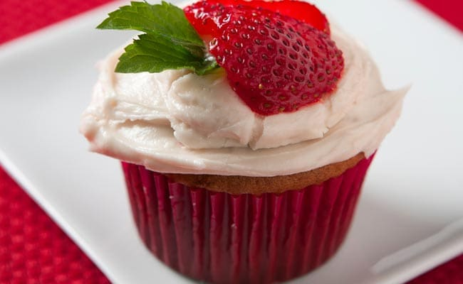 Watch: Instant Dessert Recipe Made With Chocolates And Strawberries