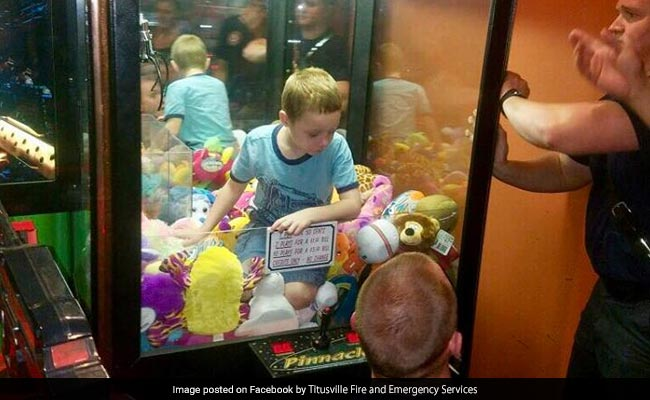 Video: Boy Climbs Into Toy Machine To Get Favourite Toy, Gets Stuck Instead