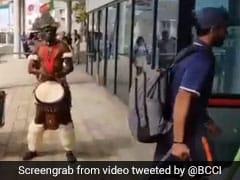 VIDEO: मैच से पहले टीम इंडिया का हुआ अनोखे तरह से स्वागत, डांस करने लगे हार्दिक पंड्या