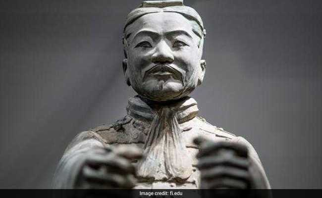 U.S.  man stole thumb of Chinese terracotta warrior statue