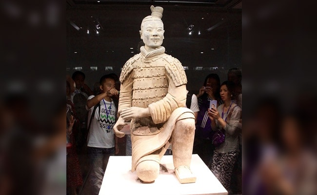 First He Took Selfie With 2,000-Year-Old Statue, Then Stole Its Thumb