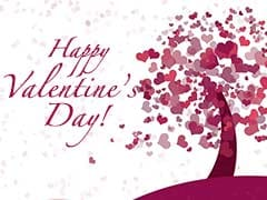 Happy Valentine's Day 2018: Romantic <i>Shayari</i>, SMS, Wishes, Messages To Share With Your Partner