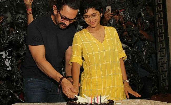 शूटिंग से मिली छुट्टी तो मुंबई आकर आमिर खान ने पत्नी के साथ यूं मनाया जन्मदिन, देखें PICS