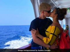 Aashka Goradia, Brent Goble's 'Kiss And Sail' Pic Is Now Viral