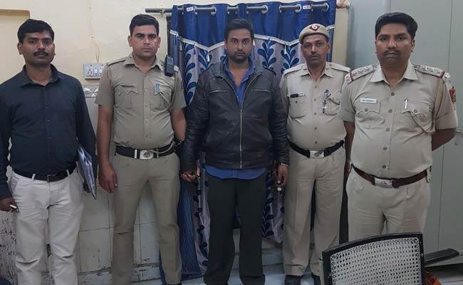 दिल्ली में एक पिता ने झूठी शान के लिए कर दी 13 साल की बेटी की हत्या