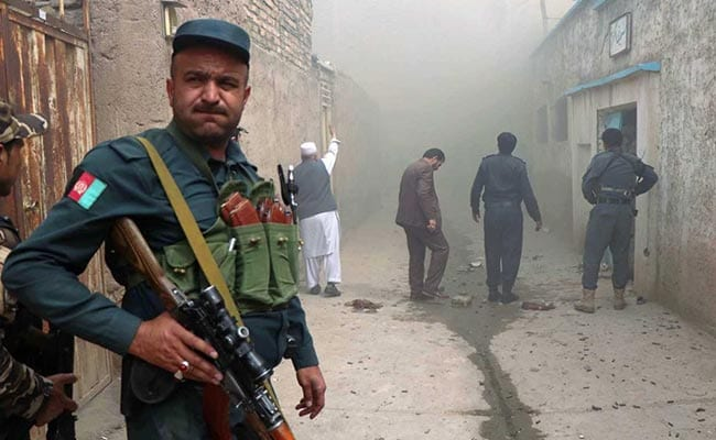 काबुल में मतदाता पंजीकरण केंद्र पर हुए आत्मघाती हमले में मृतकों की संख्या बढ़कर 69 हुई