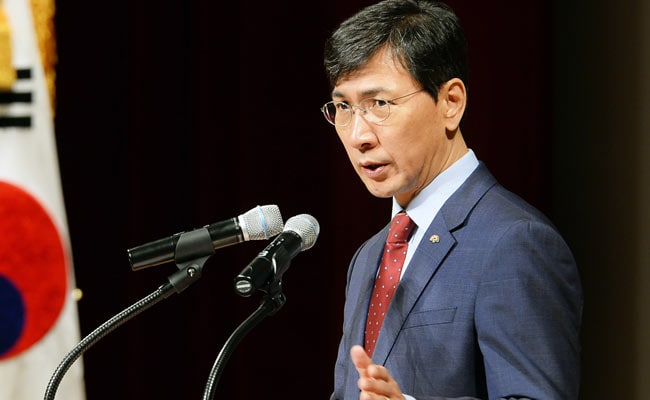 South Korean Presidential Hopeful Quits After Rape Accusation