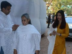 At Shammi Aunty's Prayer Meet, Aishwarya Rai Bachchan, Jaya Bachchan, Waheeda Rahman And Others