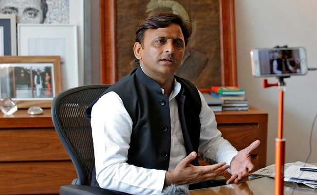 बसपा के सपा को समर्थन के बाद भाजपा के लोगों की भाषा बदली : अखिलेश यादव