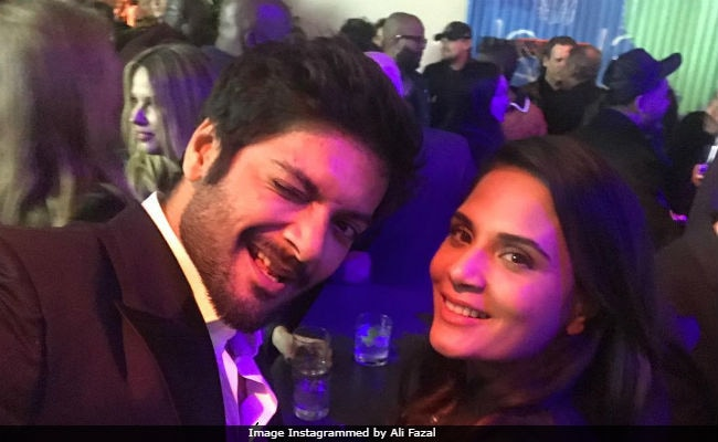 Oscars 2018: Ali Fazal, Richa Chadha's Selfie Accidentally Photobombed By Leonardo DiCaprio