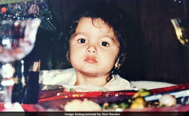 Alia Bhatt Turned 25, Gets Birthday Wishes From Aamir Khan, Akshay Kumar And Others
