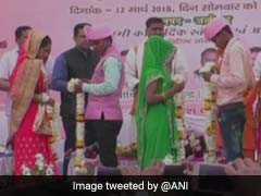 अलीगढ़ में मुख्यमंत्री सामूहिक विवाह योजना के तहत शादी के बंधन में बंधे 76 कपल