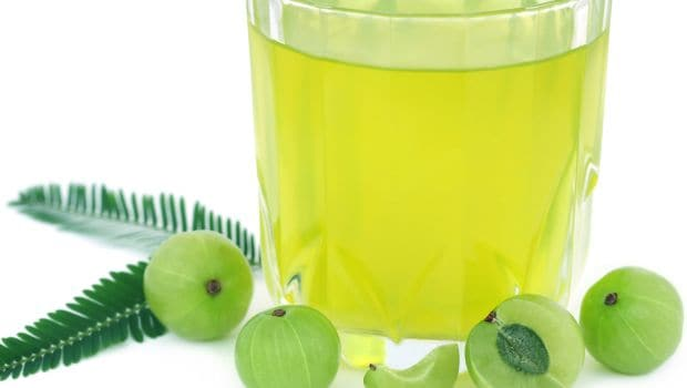 Monsoon Diet: Drink This Amla Lemon Ginger Juice To Boost Your Immunity This Rainy Season