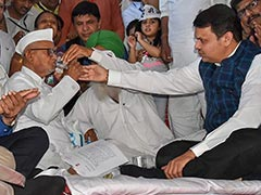 Anna Hazare Breaks Fast Over Lokpal After Devendra Fadnavis Meets Him