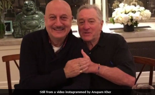 Robert De Niro Sings At Anupam Kher's Surprise Birthday Party He Hosted