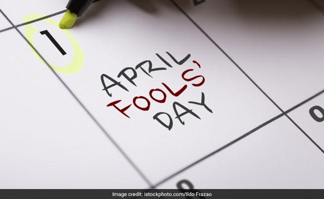 April Fool's Day: WhatsApp और  Facebook पर लगाएं ये शानदार स्टटेस