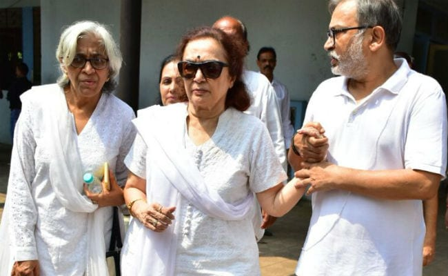 Asha Parekh Was 'Inconsolable' At Best Friend Shammi's Funeral