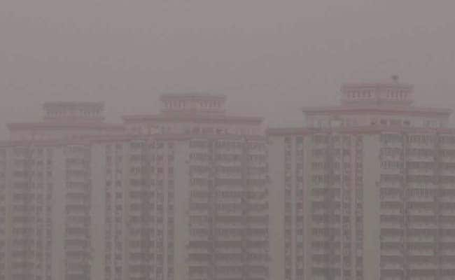 Beijing Chokes In Heavy Dust As Sandstorm Blows In