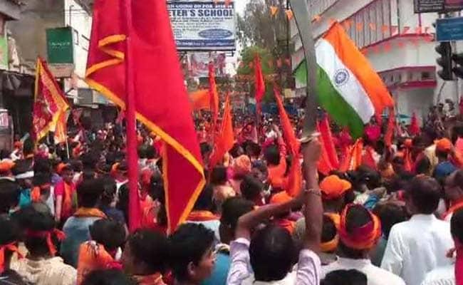 कोलकाता: रामनवमी के मौके BJP ने निकाली रैलियां, जवाब में TMC ने निकाला रंगारंग जुलूस