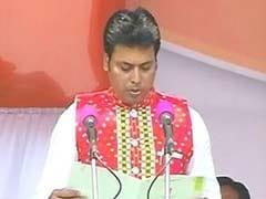 बिप्लब देव ने त्रिपुरा के मुख्यमंत्री पद की ली शपथ, पीएम मोदी, अमित शाह और आडवाणी सहित कई नेता थे मौजूद