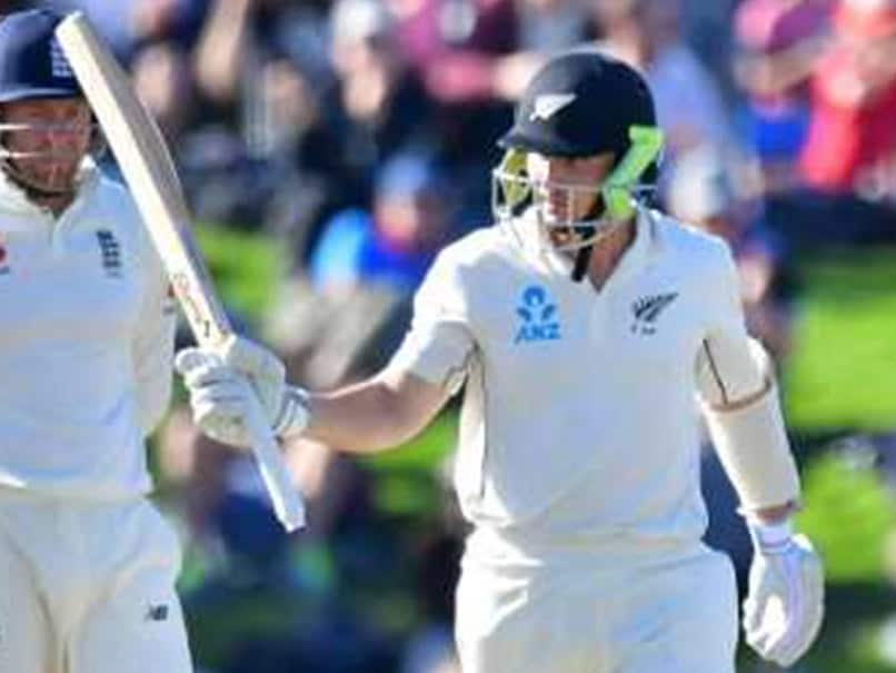 Grandhomme, Watling keep NZ on track