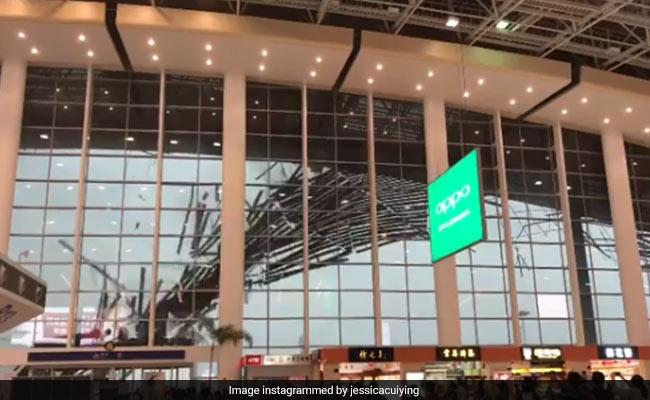 Viral video: देखें कैसे चीन में तेज हवा से गिरी एयरपोर्ट की छत