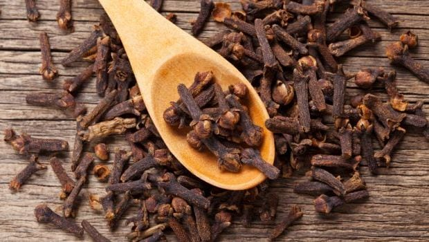 Cloves For Acidity: This Simple Remedy Will Keep Tummy Troubles At Bay