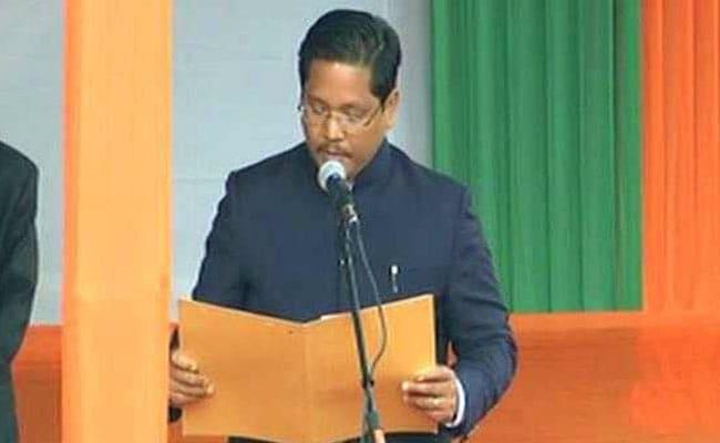 एनपीपी नेता कॉनरेड संगमा ने ली मेघालय के सीएम पद की शपथ