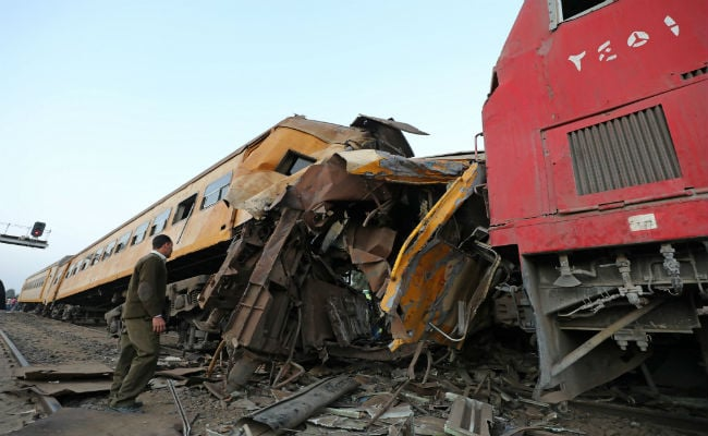15 passengers killed in Egypt's train derailment, collision