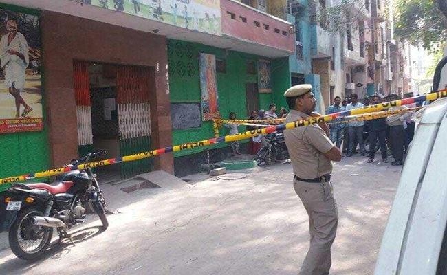 दिल्ली के स्कूल में गार्ड की हत्या, पुलिस कर रही है छानबीन