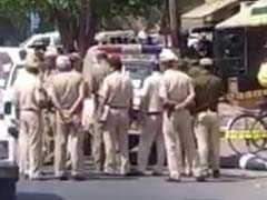 दिल्ली : डीसीपी दफ्तर में छापा, एक कांस्टेबल गिरफ्तार; महिला सब इंस्पेक्टर भागी
