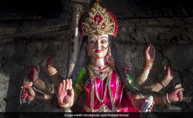 चैत्र नवरात्रि 2018: आठवें दिन पूजी जाती हैं मां गौरी, शादी में आ रही बाधाओं को करती हैं खत्म