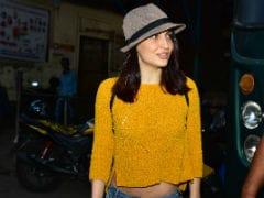 Elli AvrRam Spotted At Hardik Pandya's Ad Shoot. See Viral Pics