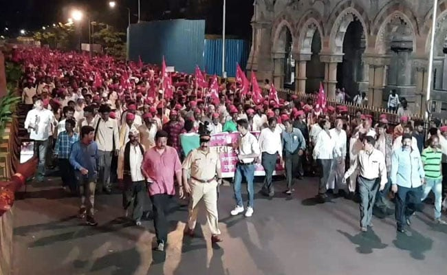 Giant March Spares Students' Exams As Farmers Protest In Mumbai