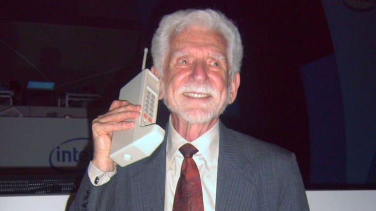 10 घंटे चार्जिंग, 35 मिनट बात: ऐसा था पहला मोबाइल फोन