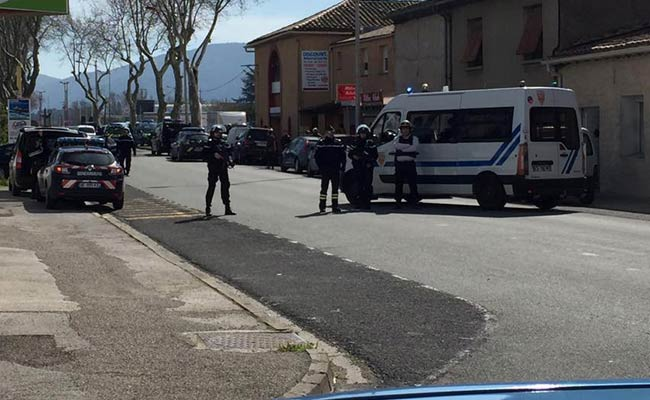 At least 2 killed in France hostage standoff