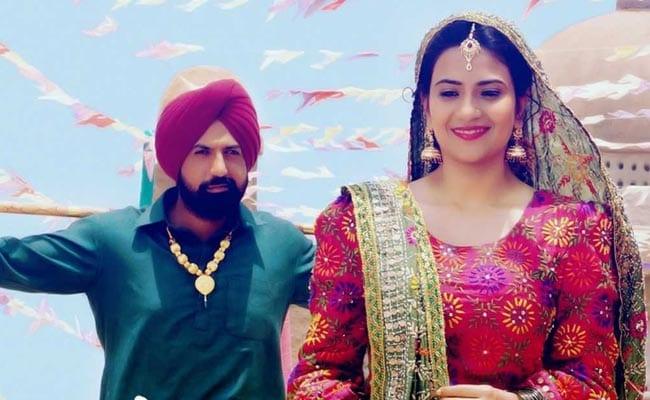 'सूबेदार जोगिन्दर सिंह' के 'इश्क दा तारा' ने मचाई न्यूयॉर्क के टाइम्स स्क्वेयर पर धूम, देखें Video
