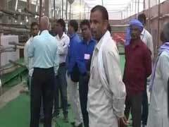 यूपी उपचुनाव: गोरखपुर में वोटिंग सेंटर पर मीडिया की एंट्री पर लगाई रोक