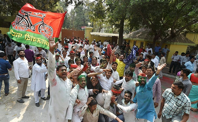 Yogi Adityanath's Gorakhpur Shocks BJP, Samajwadi Party Wins 2 Seats