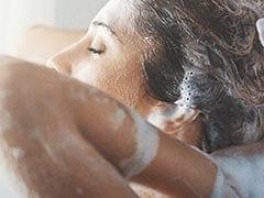Expert Hair Care Tips: गर्मियों में मुलायम और चमकदार बालों के लिए अपनाएं ये आसान तरीके