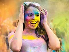 Holi Skin and Hair Care Tips: Top 4 Natural Oils That You Must Keep Handy To Prevent Damage From Holi Colours