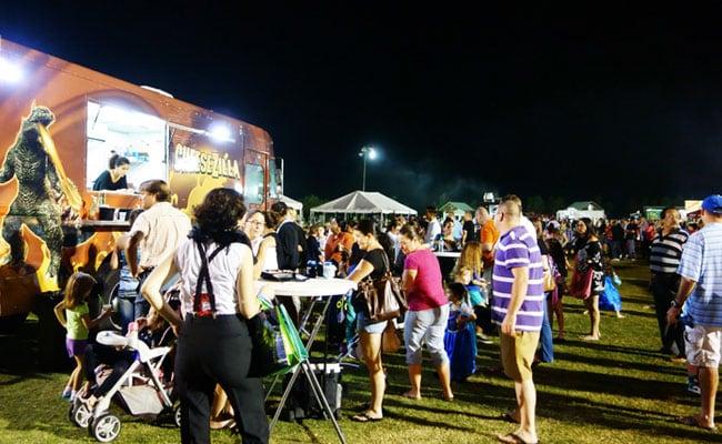 Horn OK Please Food Truck Festival 2018: Kebabs, Waffles, Momos On Wheels In Delhi This Weekend!