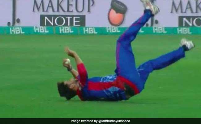 PSL 2018: लाहौर कलंदर्स के खिलाफ मैच के दौरान इमाद वासिम के सिर पर लगी चोट, अब ठीक है हालत