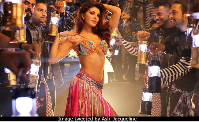 Ek Do Teen, The Jacqueline Fernandez Version. This Girl Is On Fire