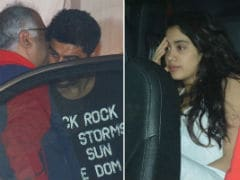 Janhvi And Khushi Dine With Brother Arjun And Dad Boney Kapoor