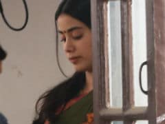 Janhvi Kapoor Is Back At Work. See Pics From <i>Dhadak</i> Set