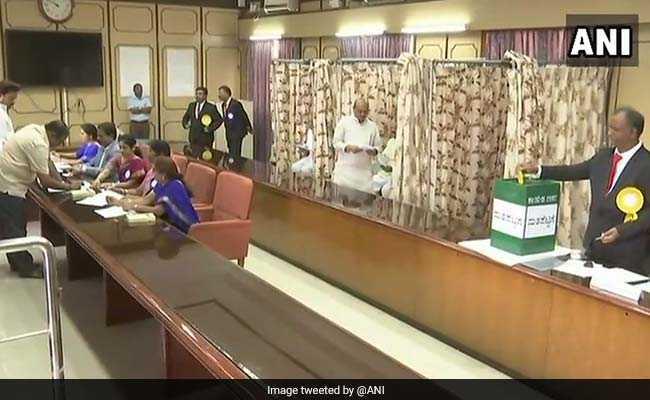 राज्यसभा चुनाव : कर्नाटक में कांग्रेस ने तीन, भाजपा ने एक सीट जीती